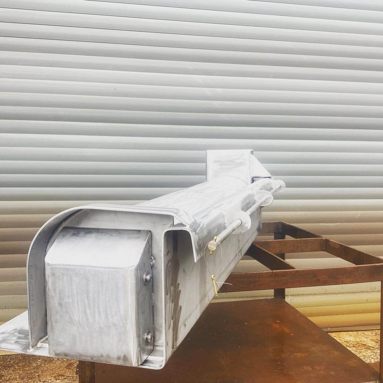 Custom gunnel roller