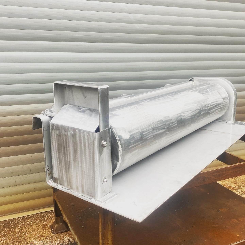 Tailor-made gunnel roller