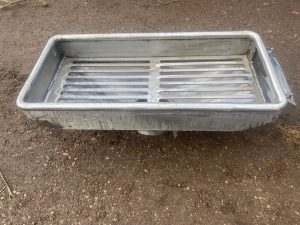 Custom riddle tray for commercial fishing